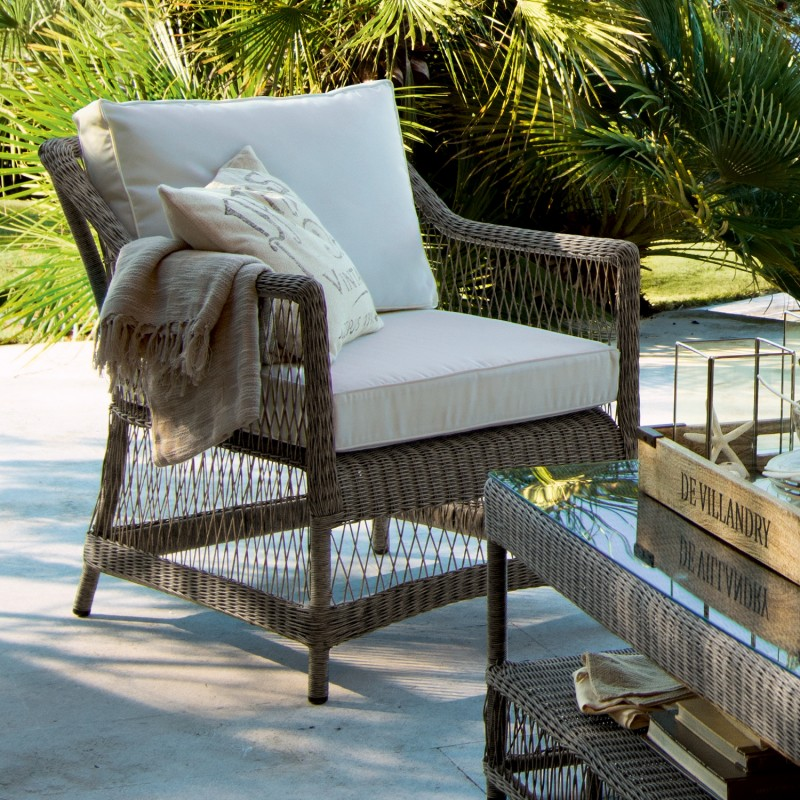 e27d28b3ce3f Estas sillas son mucho más cómodas y llamativas cuando les añadimos  cojines. Quedan ideales con un cojín blanco en el asiento y uno de otro  color ...